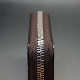セドウィック社製ブライドルレザーのヘーゼル色のラウンドファスナー小銭入れ(シルバー色)-1-5