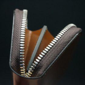 セドウィック社製ブライドルレザーのヘーゼル色のラウンドファスナー小銭入れ(シルバー色)-1-8