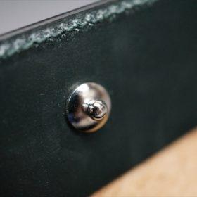 セドウィック社製ブライドルレザーのダークグリーン色の二つ折り財布(シルバー色)-1-12
