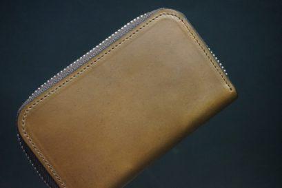ホーウィン社製シェルコードバンのバーボン色のラウンドファスナー小銭入れ(シルバー色)-1-1