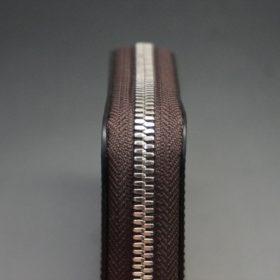 ホーウィン社製シェルコードバンのバーボン色のラウンドファスナー小銭入れ(シルバー色)-1-5