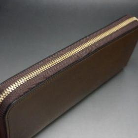 ホーウィン社製シェルコードバンのバーボン色のラウンドファスナー長財布(ゴールド色)-1-4