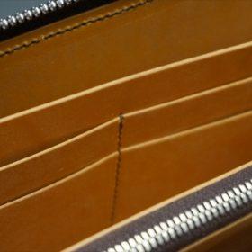 ホーウィン社製シェルコードバンのバーボン色のラウンドファスナー長財布(シルバー色)-1-11