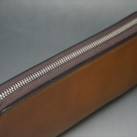 ホーウィン社製シェルコードバンのバーボン色のラウンドファスナー長財布(シルバー色)-1-4