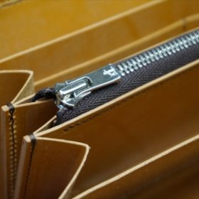 ホーウィン社製シェルコードバンの9バーボン色のラウンドファスナー長財布(シルバー色)-1-