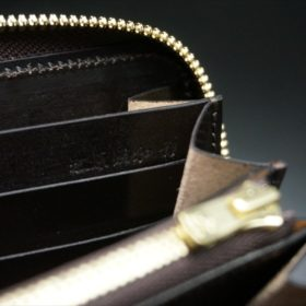 ホーウィン社製シェルコードバンのダークコニャック色のラウンドファスナー長財布(ゴールド色)-1-11