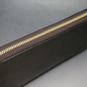 ホーウィン社製シェルコードバンのダークコニャック色のラウンドファスナー長財布(ゴールド色)-1-4