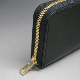 ロカド社製オイルコードバンのブラック色のラウンドファスナー長財布(ゴールド色)-1-5