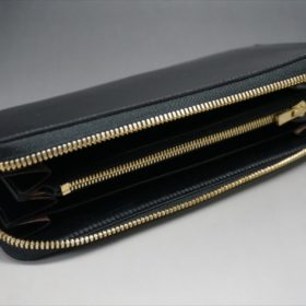 ロカド社製オイルコードバンのブラック色のラウンドファスナー長財布(ゴールド色)-1-7