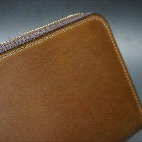 ロカド社製オイルコードバンのブラウン色のラウンドファスナー長財布(ゴールド色)-1-3