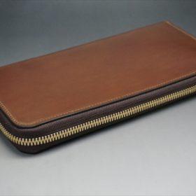 ロカド社製オイルコードバンのブラウン色のラウンドファスナー長財布(ゴールド色)-1-5