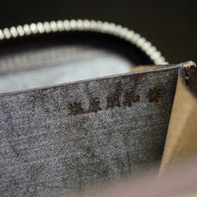ロカド社製オイルコードバンのダークバーガンディ色のラウンドファスナー小銭入れ(シルバー色)-1-12