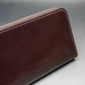 ロカド社製オイルコードバンのダークバーガンディ色のラウンドファスナー長財布(ゴールド色)-1-3