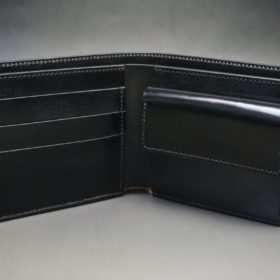 新喜皮革社製顔料仕上げコードバンのブラック色の二つ折り財布(ゴールド色)-1-5