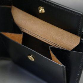 新喜皮革社製顔料仕上げコードバンのブラック色の二つ折り財布(ゴールド色)-1-8