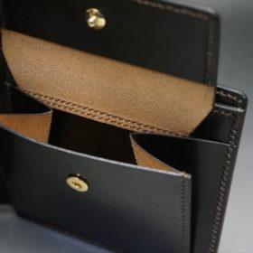 新喜皮革社製顔料仕上げコードバンのダークブラウン色の二つ折り財布(ゴールド色)-1-9