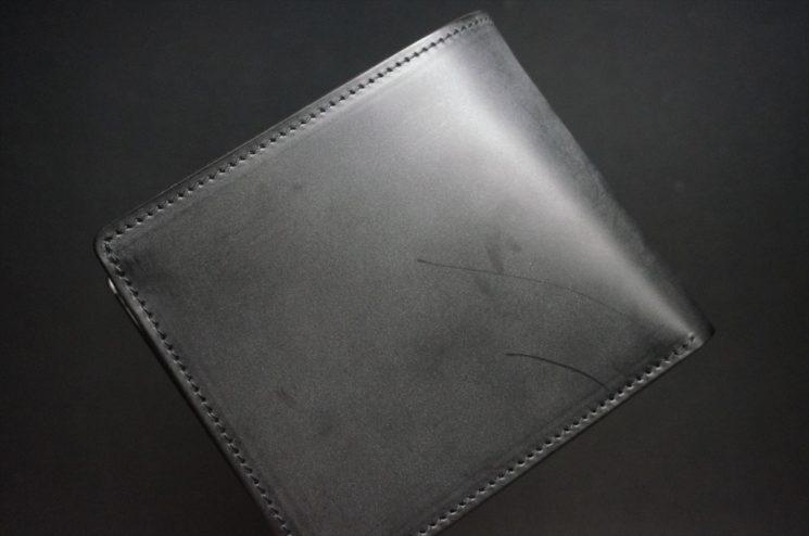 新喜皮革社製蝋引き顔料仕上げコードバンのブラック色の二つ折り財布(ゴールド色)-1-1