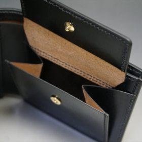 新喜皮革社製蝋引き顔料仕上げコードバンのブラック色の二つ折り財布(ゴールド色)-1-9