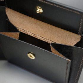 新喜皮革社製蝋引き顔料仕上げコードバンのダークブラウン色の二つ折り財布(ゴールド色)-1-9