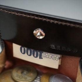 正方形タイプの小銭入れのご使用イメージ画像