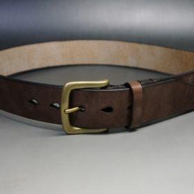J.ベイカー社製ブライドルレザーのダークブラウン色の40mmベルト(ビジネス&カジュアルバックル/ゴールド色/S)のご使用イメージ画像