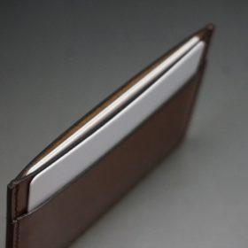 セドウィック社製ブライドルレザーのカードケースのご使用イメージ画像-2