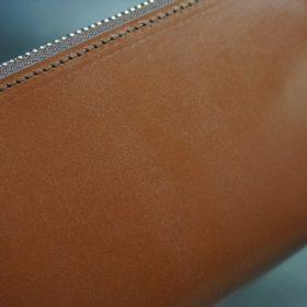 セドウィック社製ブライドルレザーのヘーゼルブラウン色のラウンドファスナー長財布(シルバー色)-1-3