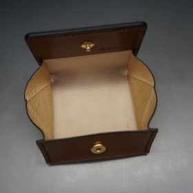 レーデルオガワ社製染料仕上げコードバンのキャメル色の小銭入れ(ゴールド色)-1-6