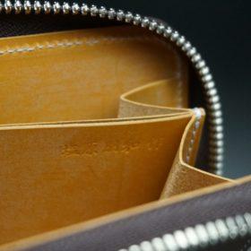 ホーウィン社製シェルコードバンのバーボン色のラウンドファスナー小銭入れ(シルバー)-2-11