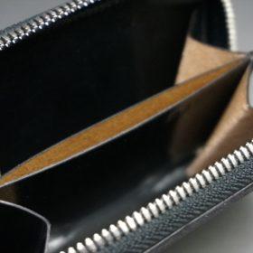 ホーウィン社製シェルコードバンのブラック色のラウンドファスナー小銭入れ(シルバー色)-1-13