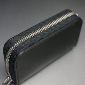 ホーウィン社製シェルコードバンのブラック色のラウンドファスナー小銭入れ(シルバー色)-1-4