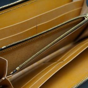 レーデルオガワ社製染料仕上げコードバンのキャメル色のラウンドファスナー長財布(ゴールド色)-1-9