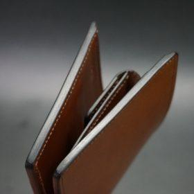 レーデルオガワ社製染料仕上げコードバンのキャメル色の二つ折り財布(ゴールド色)-1-3