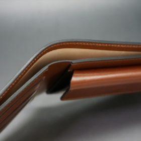 レーデルオガワ社製染料仕上げコードバンのキャメル色の二つ折り財布(ゴールド色)-1-4