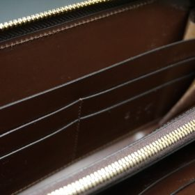 レーデルオガワ社製染料仕上げコードバンのコーヒーブラウン色のラウンドファスナー長財布(ゴールド色)-1-8