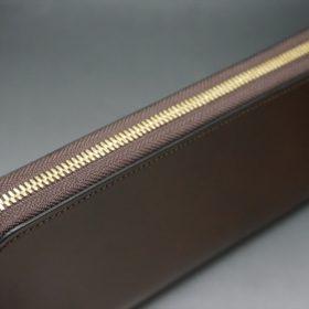 レーデルオガワ社製染料仕上げコードバンのコーヒーブラウン色のラウンドファスナー長財布(ゴールド色)-2-3