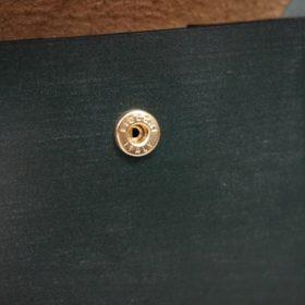 レーデルオガワ社製染料仕上げコードバンのグリーン色の二つ折り財布(ゴールド色)-1-9