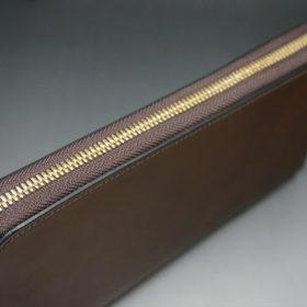 レーデルオガワ社製オイルコードバンのコーヒーブラウン色のラウンドファスナー長財布(ゴールド色)-1-3