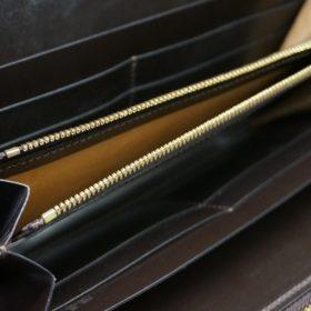 レーデルオガワ社製オイルコードバンのコーヒーブラウン色のラウンドファスナー長財布(ゴールド色)-1-7