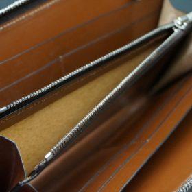 レーデルオガワ社製オイルコードバンのコーヒーブラウン色のラウンドファスナー長財布(シルバー色)-1-11