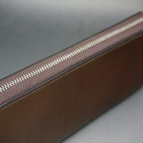 レーデルオガワ社製オイルコードバンのコーヒーブラウン色のラウンドファスナー長財布(シルバー色)-1-5