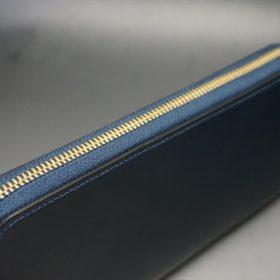 レーデルオガワ社製オイルコードバンのネイビー色のラウンドファスナー長財布(ゴールド色)-2-3