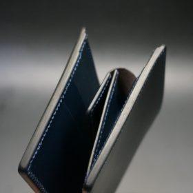 レーデルオガワ社製オイル仕上げコードバンのネイビー色の二つ折り財布(ゴールド色)-1-3