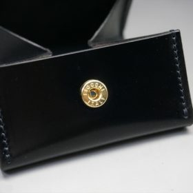 新喜皮革社製オイル仕上げコードバンのブラック色の小銭入れ(ゴールド色)-1-10
