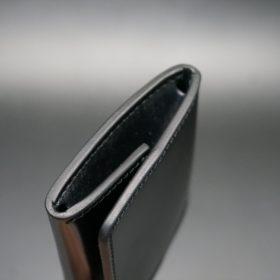 新喜皮革社製オイル仕上げコードバンのブラック色の小銭入れ(ゴールド色)-1-5