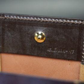 新喜皮革社製オイルコードバンのバーガンディ色の小銭入れ(ゴールド色)-1-9