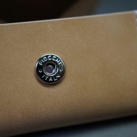 新喜皮革社製オイルコードバンのナチュラル色の小銭入れ(シルバー色)-1-9
