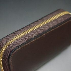 ロカド社製オイルコードバンのバーガンディ色のラウンドファスナー小銭入れ(ゴールド色)-2-4