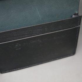 新喜皮革社製オイルコードバンのブラック色の名刺入れ-1-9