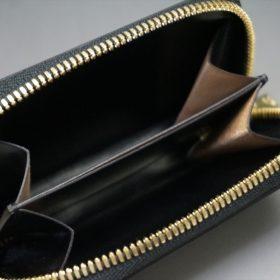 新喜皮革社製オイルコードバンのブラック色のラウンドファスナー小銭入れ(ゴールド色)-1-8